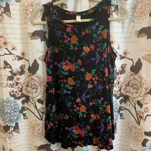 Old Navy Luxe Size Medium Floral Ladies Shirt